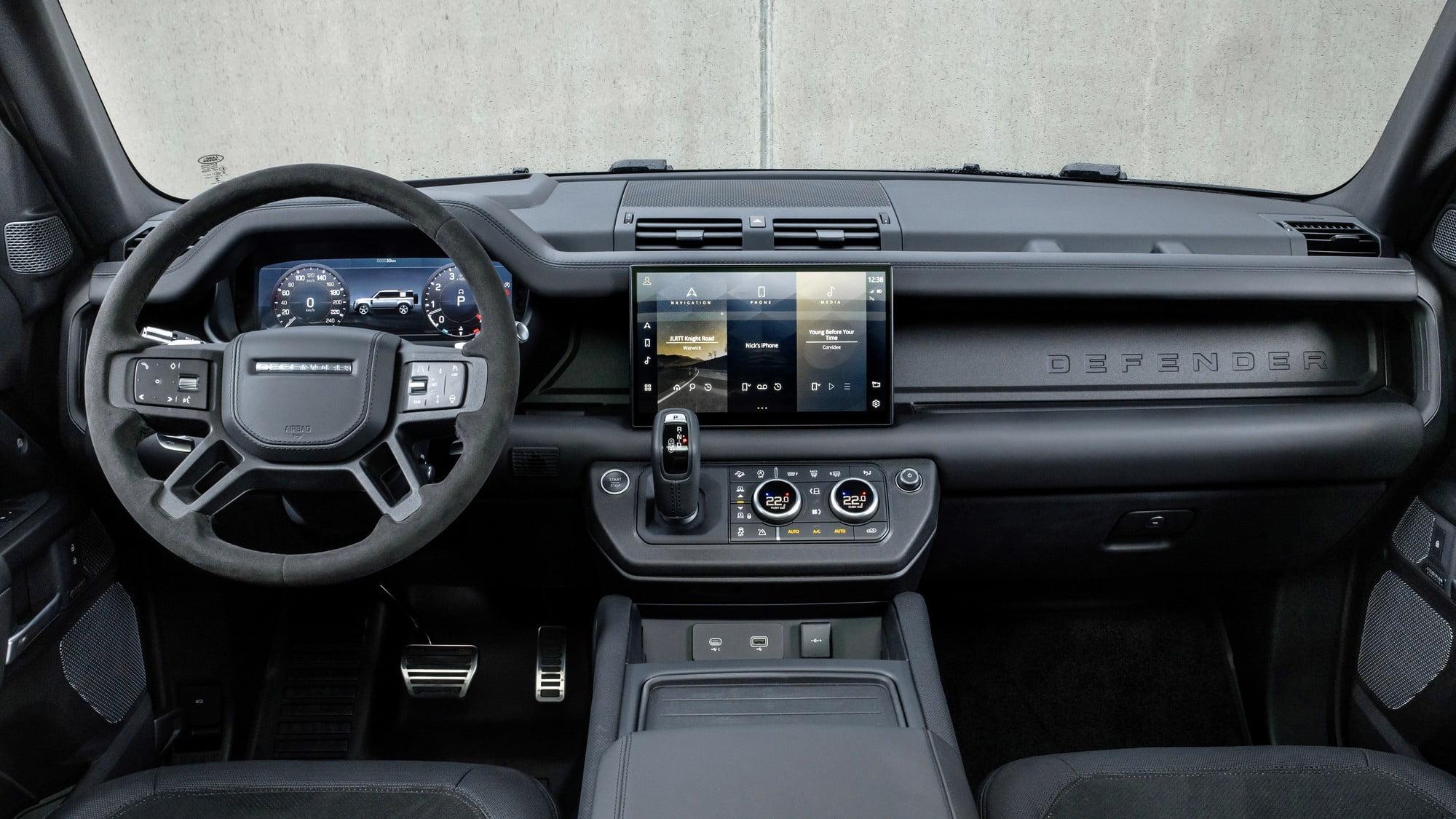 Land rover v8-interior